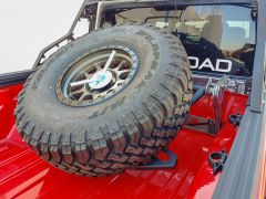 DV8 Offroad In Bed Adjustable Tire Carrier For 2020 Jeep Gladiator JT TCGL-01