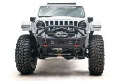 Fab Fours Front Stubby Bumper with Pre-Runner Guard in black for 18+ Jeep Wrangler JL, JLU and Gladiator JT JL18-B4752-1