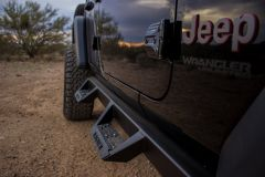 Magnum by Raptor Series RT Steps for 18+ Jeep Wrangler JL Unlimited 4-Door Without Lights RTS74JP
