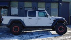"""Just Jeeps 2.5"""" Rubicon Express Lift Kit For 2020 Jeep Wrangler JT 4 Door (Installed)"""